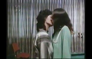 The բուժքույր wakes Հինդի մայիս սեքս տեսանյութեր իր եղբորը մի blowjob եւ առաջարկում է incestuous սեռական.