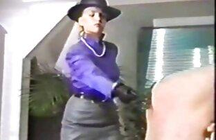 Կինը, Մարիոն shitty խումբ 20 անծանոթների արձակուրդում. սպասուհին պոռնո