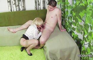 Slavegirl քարտուղարուհի պոռնո licks էշի պետին, նախքան սերը