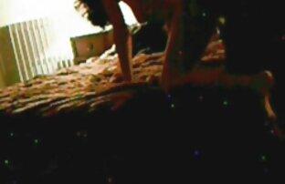 Սեղմելով ձեռքերը գյուղական աղջիկ սեքս տեսանյութեր բռունցք գնալ մենահամերգին